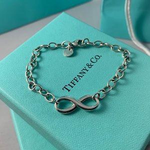 ⚡️TONIGHT ONLY⚡️Tiffany & Co. Infinity Bracelet